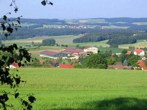 Blick auf unsere Anlage der Reitschule Fuchsenhof